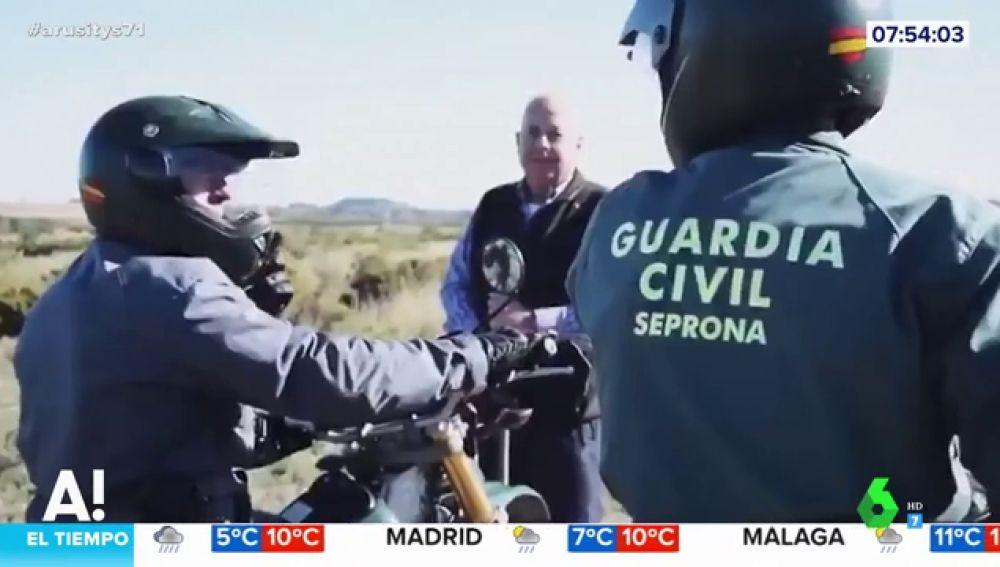 El vídeo del rescate ficticio con el que la Guardia Civil de Valencia felicita la Navidad que 'emociona' a Arusitys