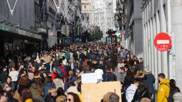 Ciudadanos en Madrid durante las fiestas de Navidad