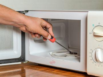 Imagen de archivo de un microondas