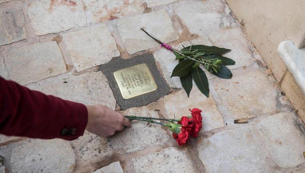 Adoquines en recuerdo a deportados por el nazismo