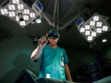 El Hospital Gregorio Marañón de Madrid ha desarrollado un sistema para quirófano que combina el uso de gafas de realidad aumentada y la impresión 3D