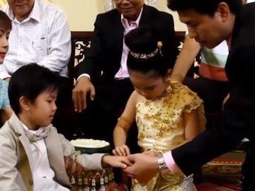 Los mellizos casándose en Tailandia