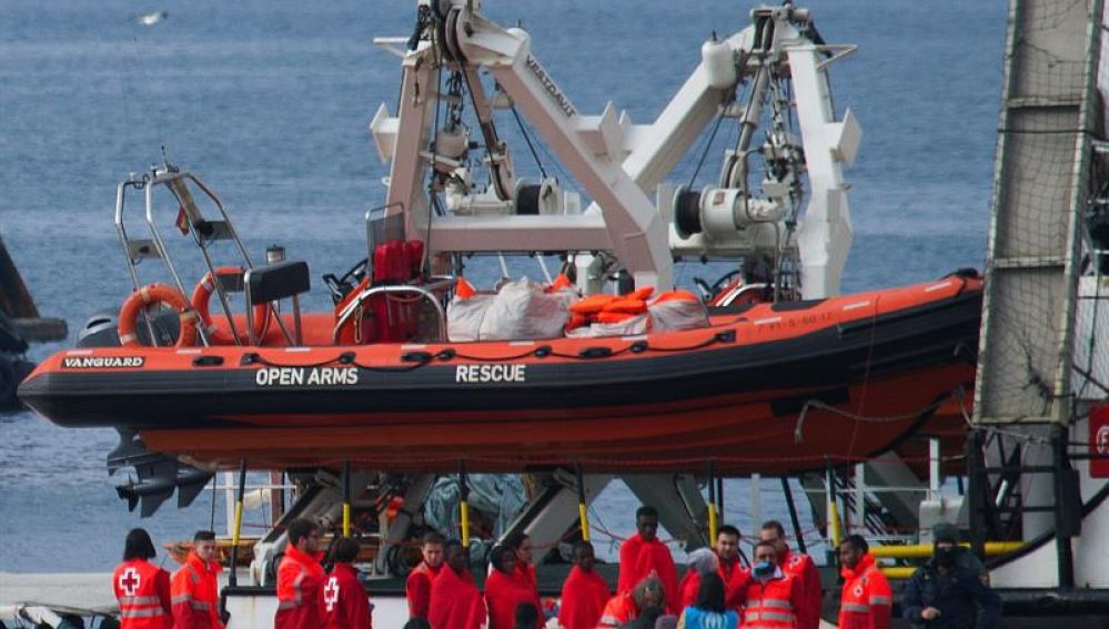 El Open Arms llega a Algeciras con 311 inmigrantes a bordo