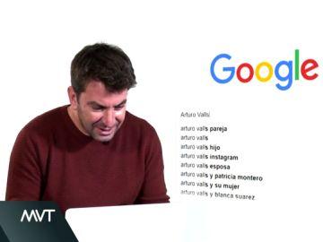Arturo Valls se busca en Google en MVT: Wikipedia tiene un grave error y triunfa con sus imitaciones