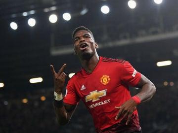 Pogba celebra un gol con el United