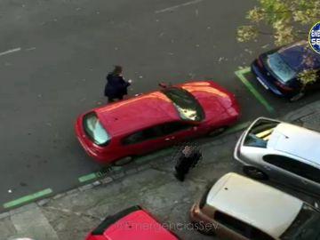 Denuncia a un vehículo mal aparcado