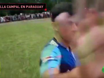 Salvaje agresión de unos futbolistas a un periodista tras un partido en Paraguay
