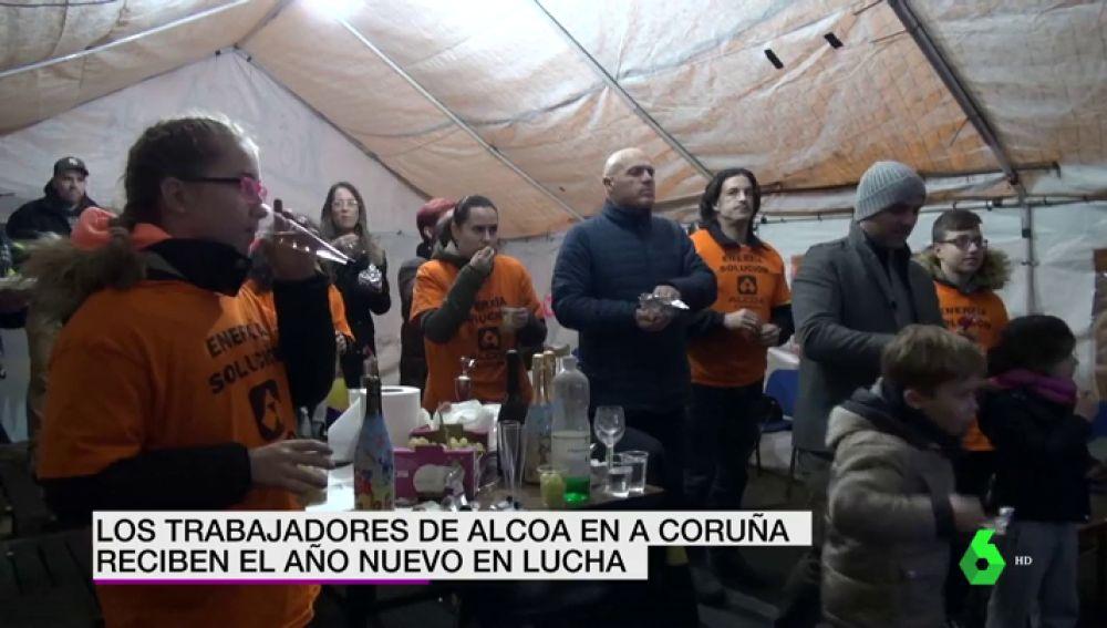 Trabajadores de Alcoa recibiendo el 2019