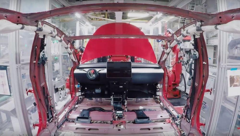 Ensamblaje de un Tesla Model 3