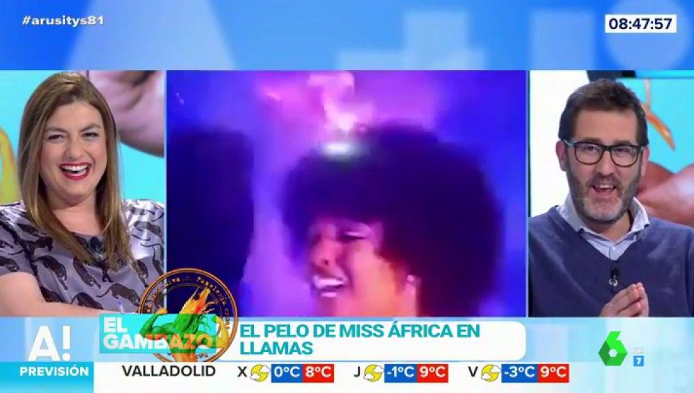 El pelo de Miss África ardiendo