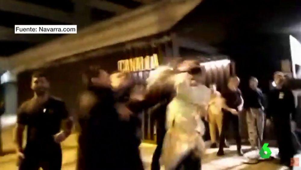 Un portero de discoteca es despedido tras liarse a golpes con unos jóvenes