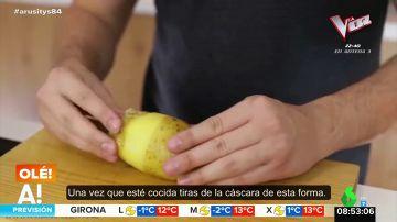 Este es el sencillo truco para quitarle la piel a una patata