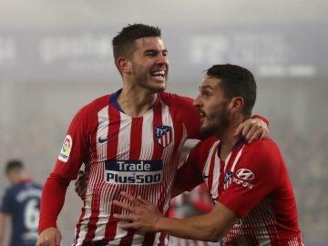 Lucas Hernández y Koke celebran un gol del Atlético de Madrid