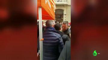 Independentistas insultan a militantes de Ciudadanos en Vic