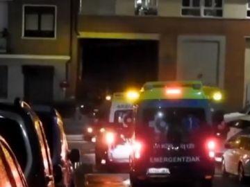 Imagen de ambulancias en el lugar del suceso en Bilbao