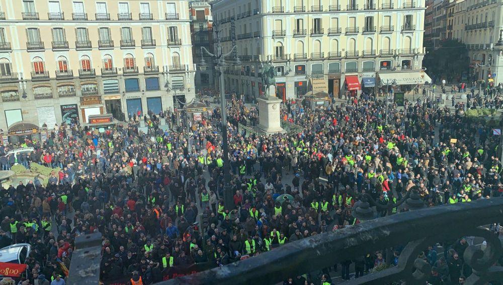 Los taxistas se concentran en la Puerta del Sol de Madrid