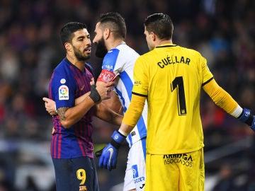 Luis Suárez y Cuéllar se encaran durante el Barcelona vs Leganés