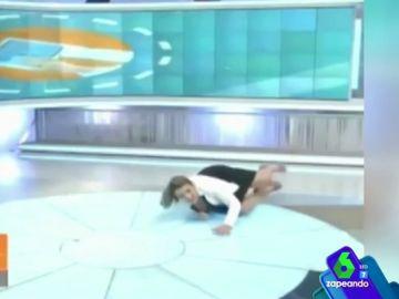 Caída de una presentadora