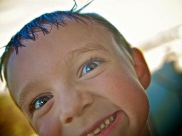 Usamos más de una decena de muecas faciales para expresar sentimientos positivos