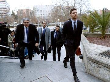 Xabi Alonso, a su llegada a la Audiencia Provincial de Madrid