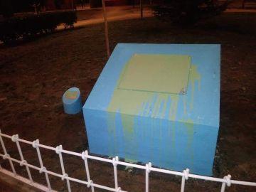 Acto vandálico en la placa de homenaje a Sandra Palo