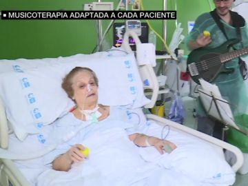 Una paciente de musicoterapia