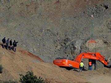 Los mineros junto al pozo de Totalán, Málaga.