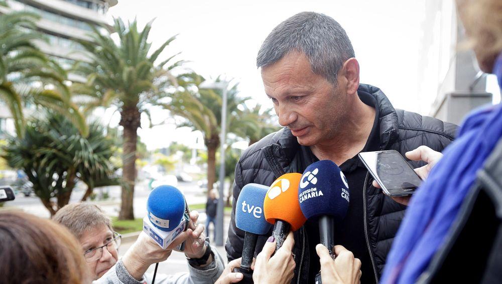 Antonio Peñalver habla ante los medios de comunicación