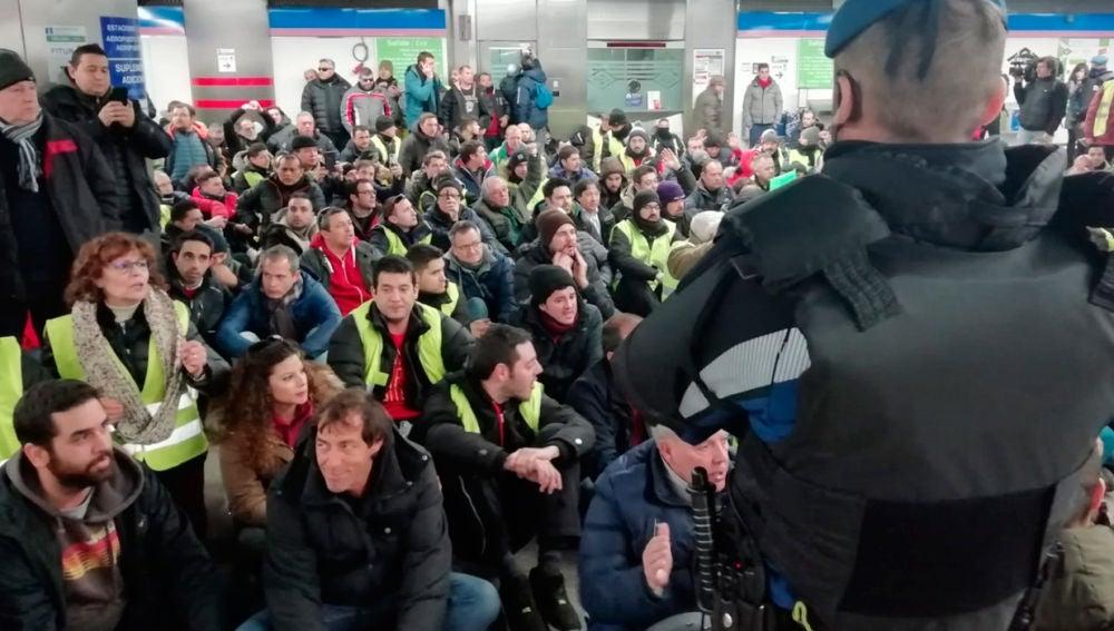 Taxistas en el Metro de Madrid.
