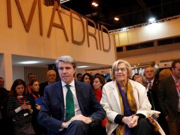 Ángel Garrido y Manuela Carmena en Fitur