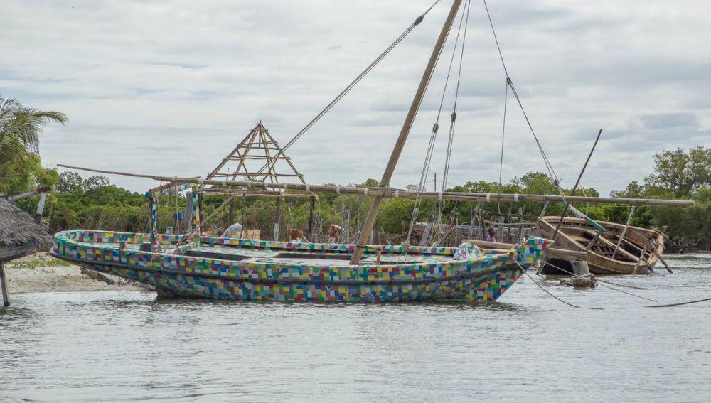 El barco hecho de plástico reciclado, FlipFlopi