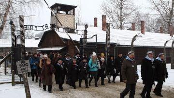 Acto conmemorativo del 74 aniversario de la liberación de Auschwitz