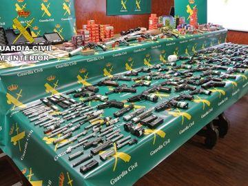 La Guardia Civil incauta armas en un taller clandestino en Borox, Toledo