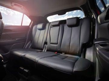 Mitsubishi Eclipse Cross asientos traseros