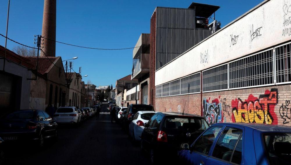 Nave donde un grupo de hombres violó a una joven en Sabadell