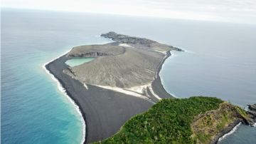 Vista satélite de la isla Hunga Tonga-Hunga Ha'apai