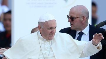 El papa Francisco oficia una misa multitudinaria en Abu Dabi