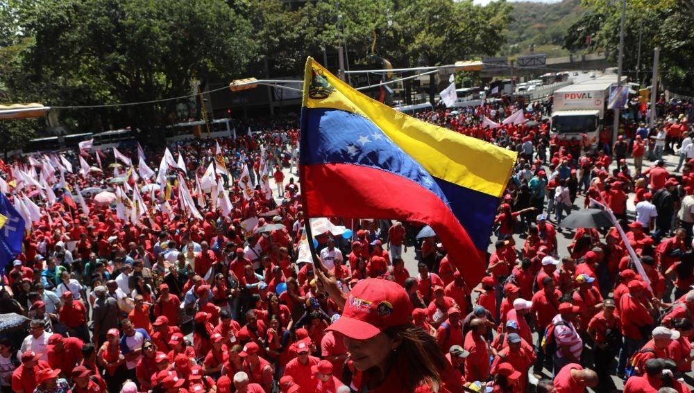 Imagen de archivo de una marcha en favor de Maduro en Venezuela