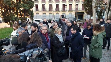 Una delegación de ERC se reúne en la plaza de Salesas en Madrid