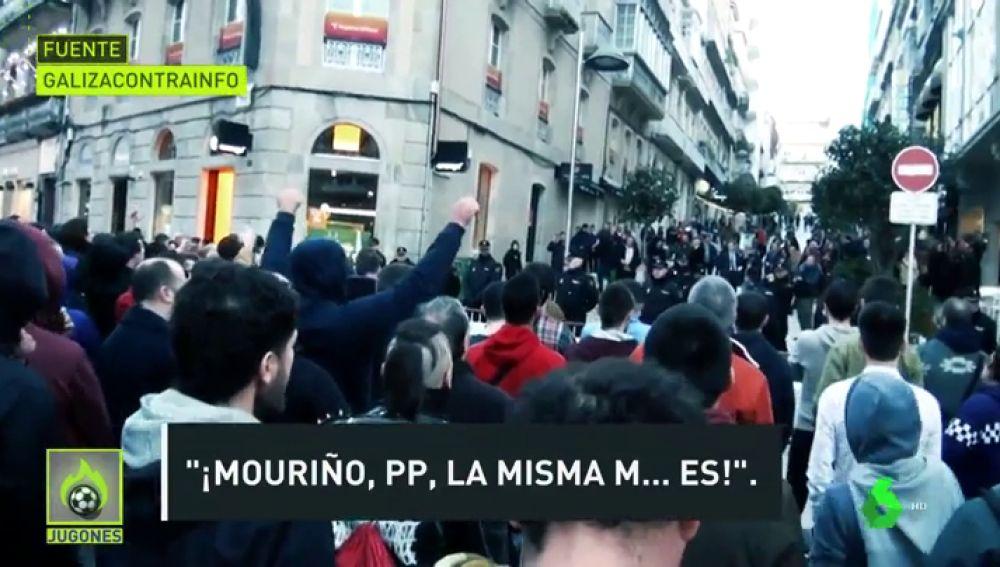 """Los aficionados del Celta dedicaron insultos a Mouriño, Feijoo como """"¡hijos  de p...!"""", o """"¡fuera de aquí, fascistas!"""", por haber utilizado el estadio  de Balaidos con fines políticos del PP. - Xornal"""