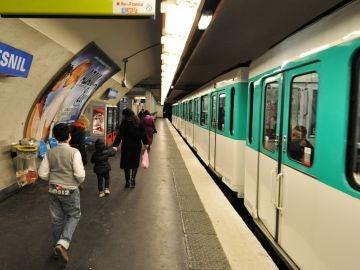 Metro de París (Archivo)