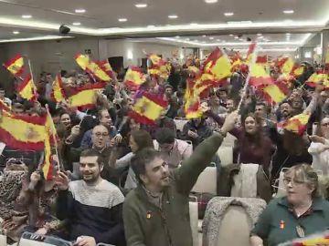 """""""No estamos para alimentar a toda África"""": los votantes de Vox nos cuentan por qué apoyan al partido de Santiago Abascal"""