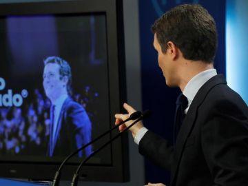 El líder del PP, Pablo Casado, comparece antes los medios de comunicación