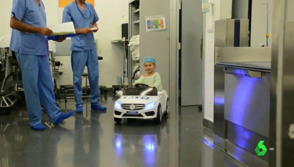 Coches para ir al quirófano o habitaciones decoradas: los hospitales se humanizan para atender a los más pequeños