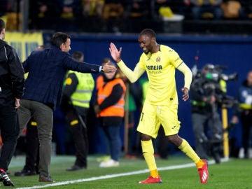 Ekambi celebra un gol con Calleja