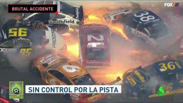 Espectacular accidente en Daytona: hasta 22 coches implicados en una colisión múltiple