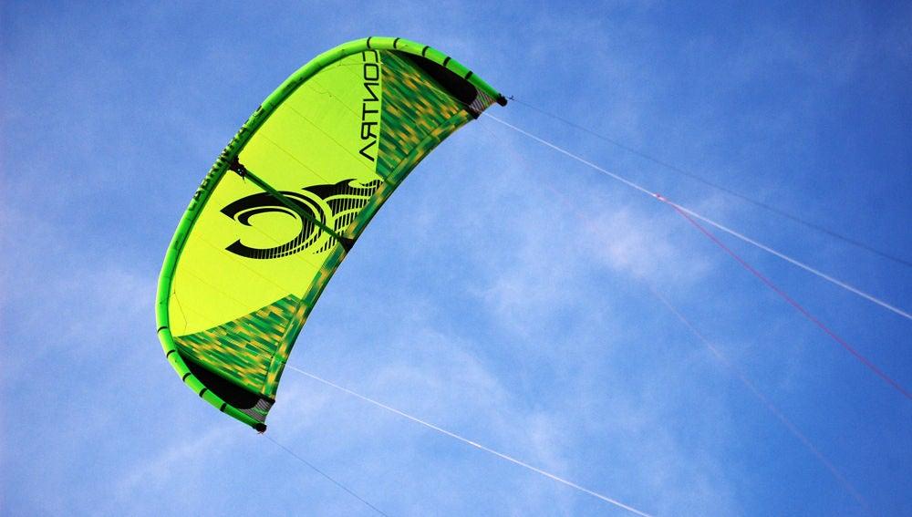 Cometa verde volando