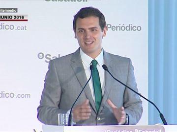 """""""No queremos que Rajoy gobierne, más claro no lo puedo decir"""": así hablaba Rivera sobre los pactos de Gobierno en 2016"""