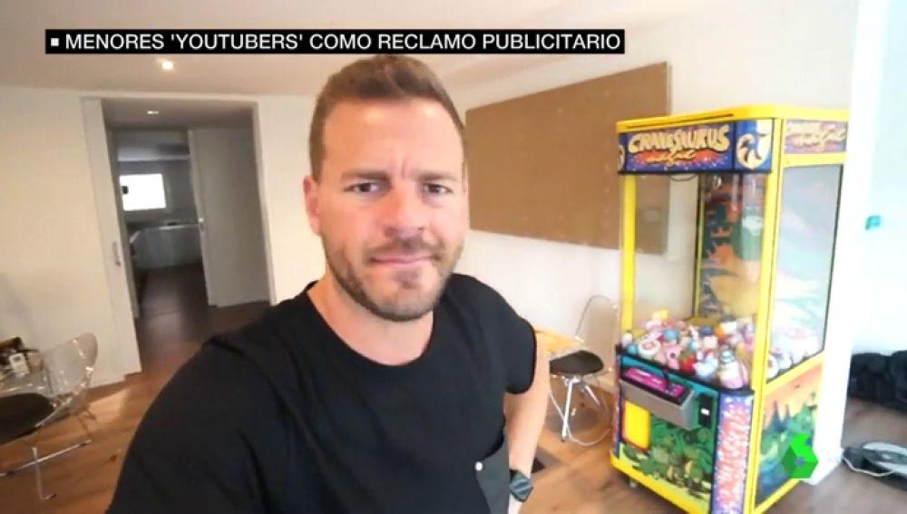 """La respuesta del padre de las menores 'youtubers' tras la denuncia de 'Save The children': """"¡Que mal os tratamos eh!"""""""