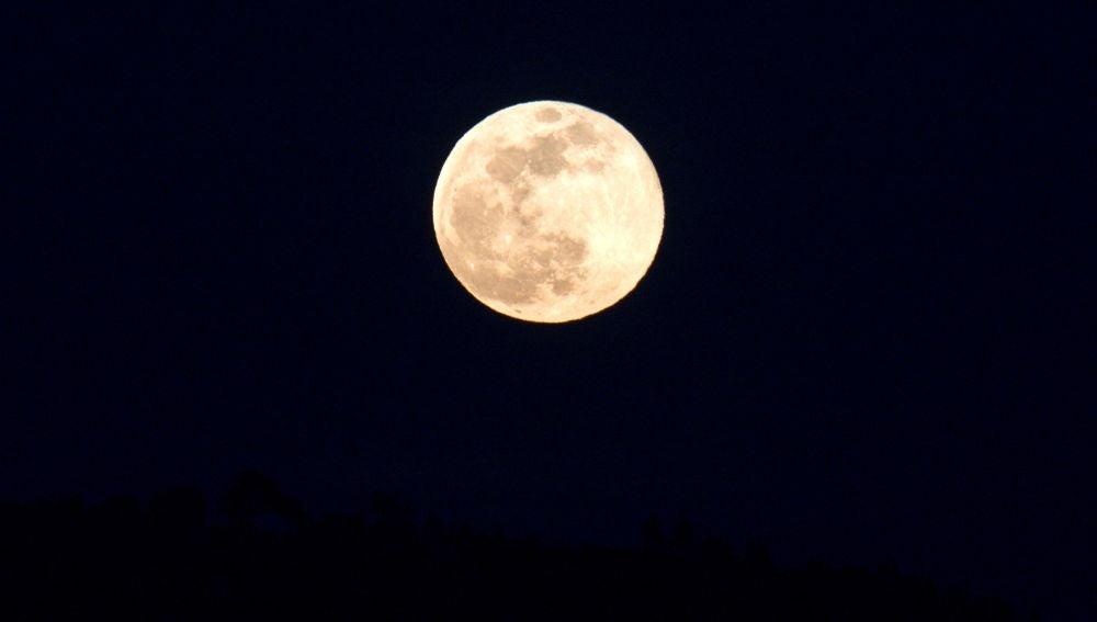 La Superluna sobre Galicia